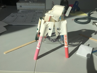Tada! My funky art bot... Isn't she cute?